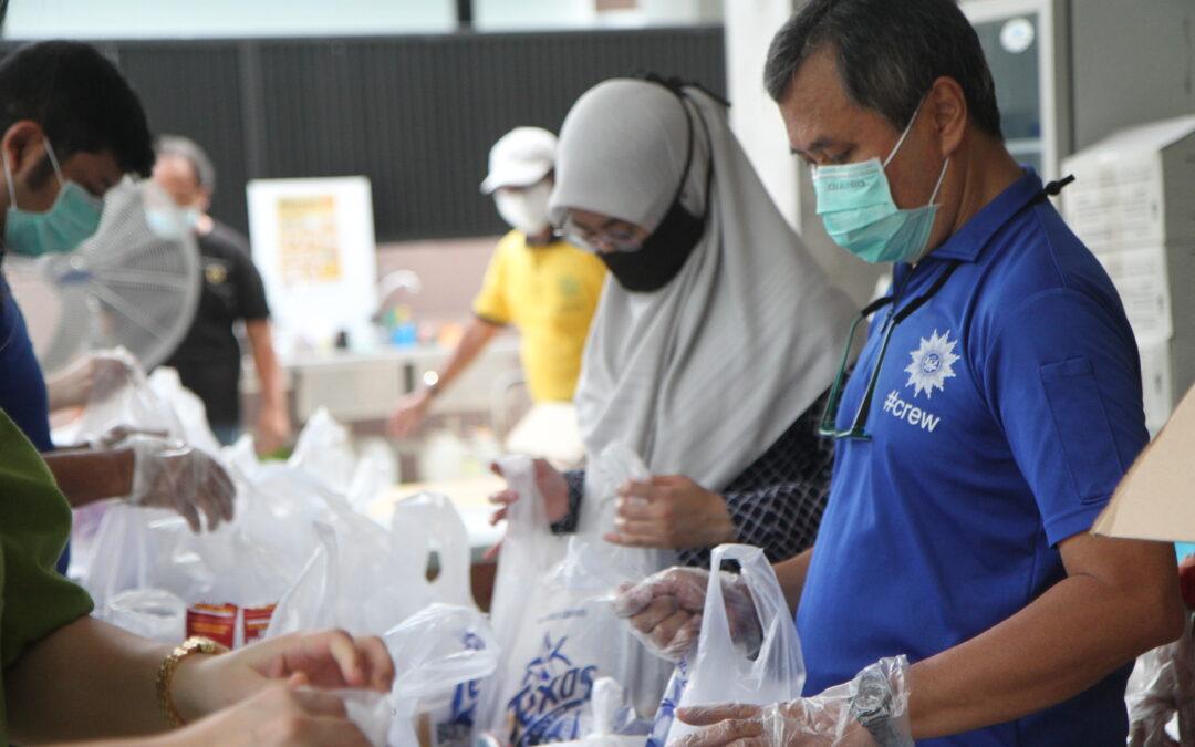BERITA mediacorp, 16 Jul 2020: 2,000 penerima bantuan Muhammadiyah terima set hidangan Texas Chicken hujung minggu ini